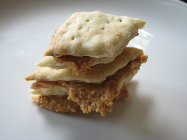 Crispy Crackers with Peanut Butter