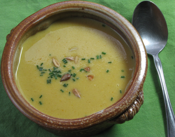 Cream of Roasted Garlic Soup